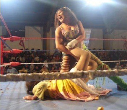 Cholitas Wrestling Show