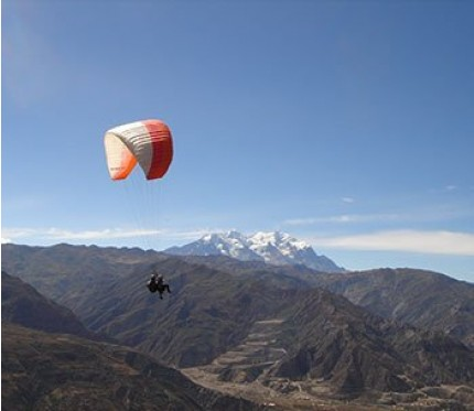 Tandem Paragliding in Huajchilla - La Paz